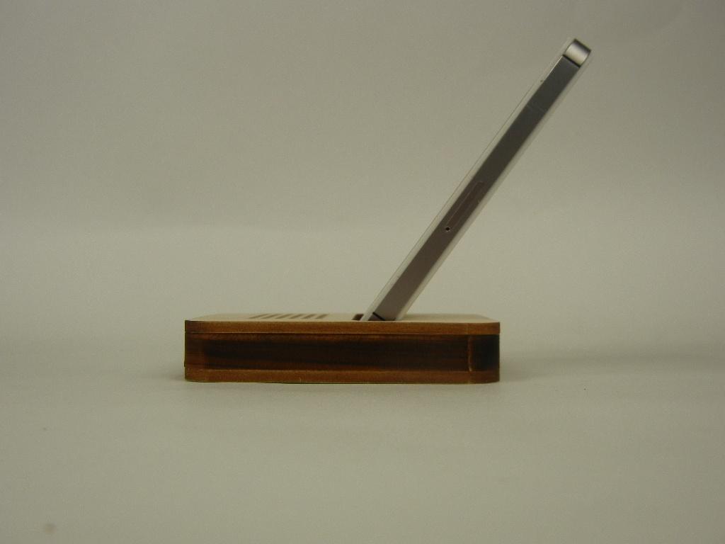 木製iPhone スタンド パルス3