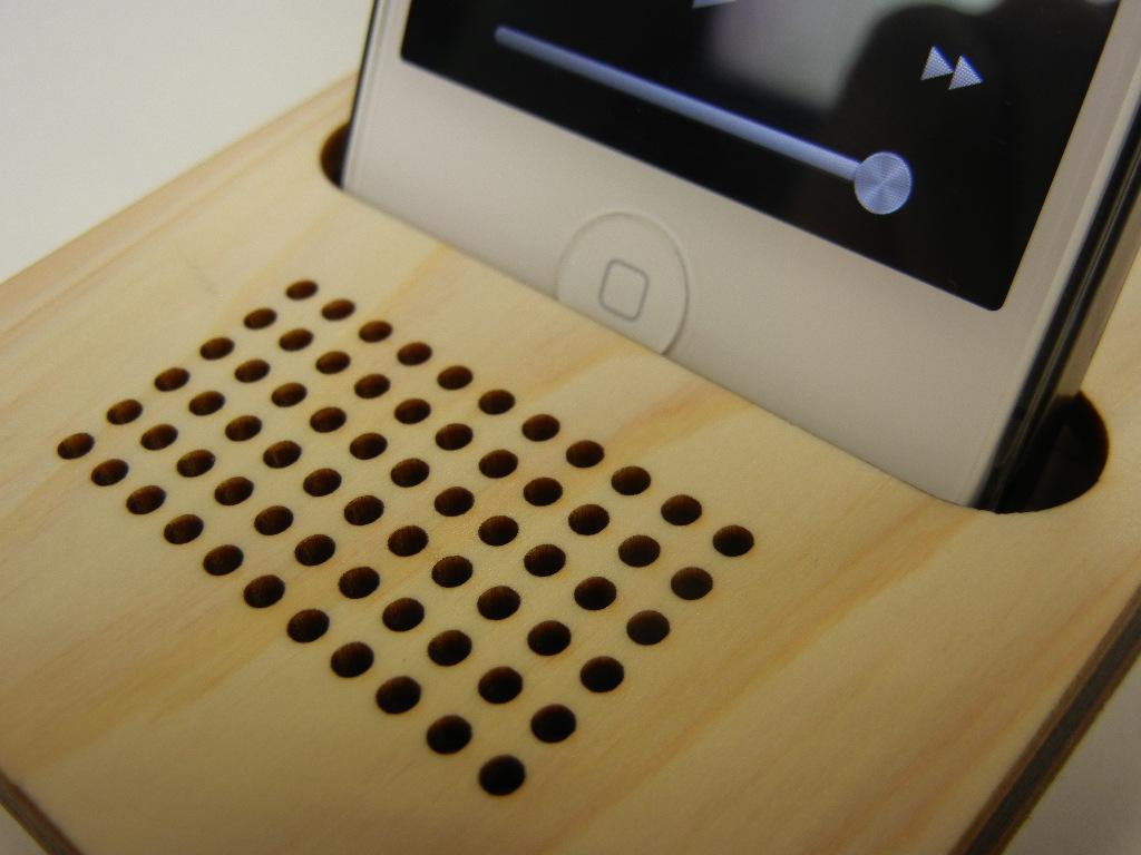 木製iPhone スタンド パルス4